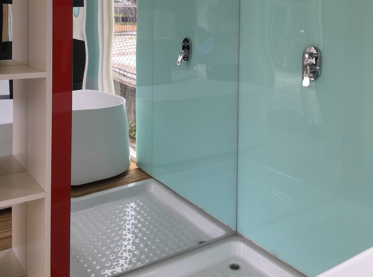 Water Repellent Shower Wall | ..:: POWER-IN GLOBAL ::..